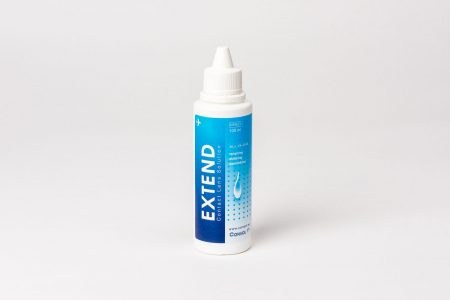 Extend 100 ml, en mild men effektiv linsvätska.