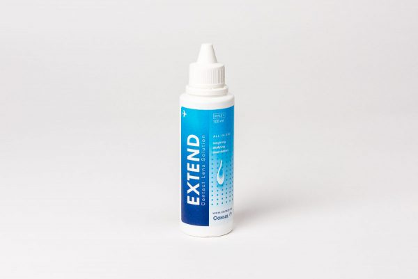 Extend 100 ml, en mild men effektiv linsvätska.