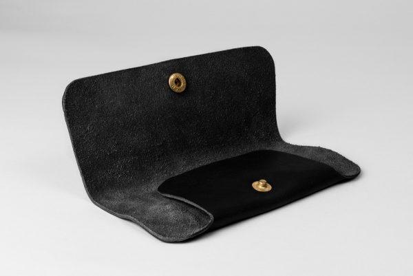Glasögonfodral i svart läder från P.A.PP